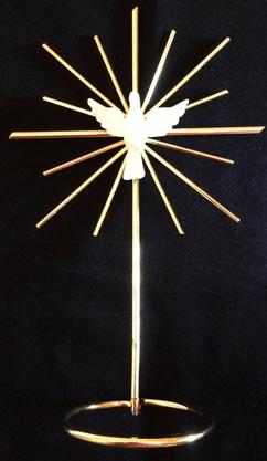 Crucifixo Metal na Base Raiado 20 cm - Divino Espírito Santo -