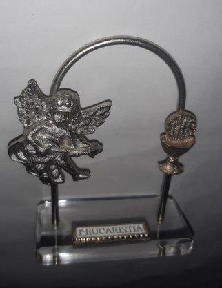 """Pedestal Acrilíco 1ª Eucaristia """"Arco com Anjo + Cálice """""""