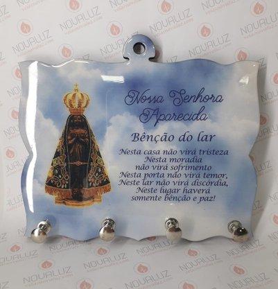 Porta Chaves 4 Pinos Resinado - N. S. Aparecida e Oração Benção do Lar -