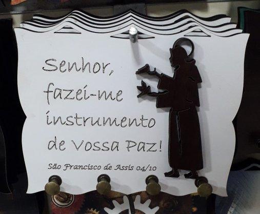 Porta Chaves  Madeirado com Silhueta - São Francisco de Assis -
